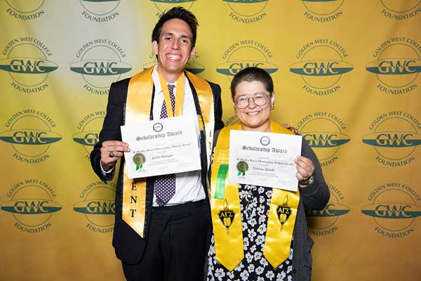 Scholarships Awards 2018 Javier & Vanessa