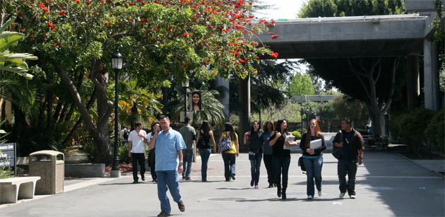 Located In The Coastal Community Of Huntington Beach Also Known As Surf City Golden West College Is Regarded One Most Beautiful Campuses
